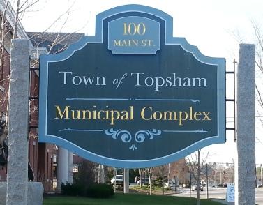 100 Main Street, Topsham ME