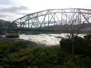 20150424_androscoggin-river-at-the-green-bridge